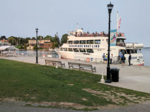 Cruising the Thousand Islands from Gananoque